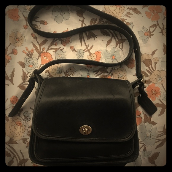 Coach Handbags - COACH vintage black genuine leather tote purse bag